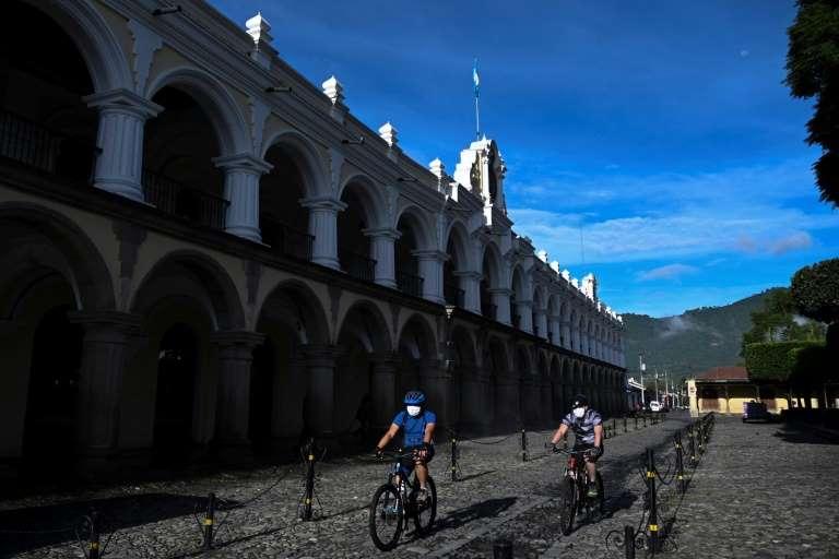 Ciclistas en Antigua Guatemala